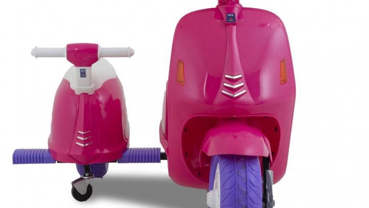 Scooter eléctrico para niños Vespa con sidecar rosa